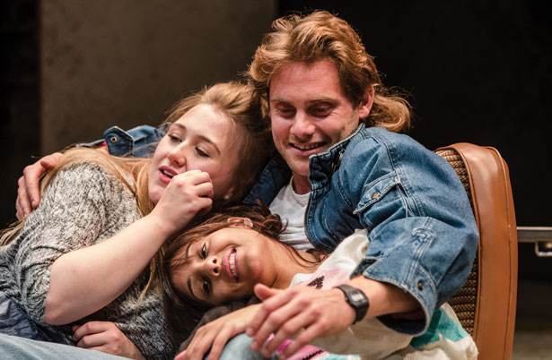Rita, Sue And Bob Too production photos
