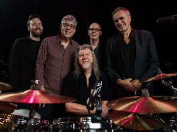 resized 10cc - Iain-Graham-Keith-Rick + Paul (posed with drumkit) 19